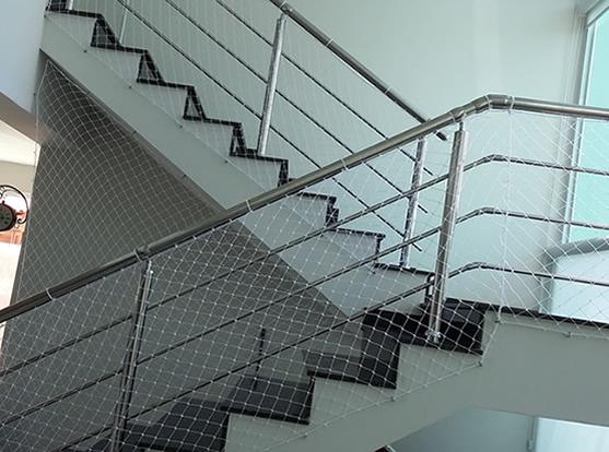 protecao escadas Redes de proteção para Escadas